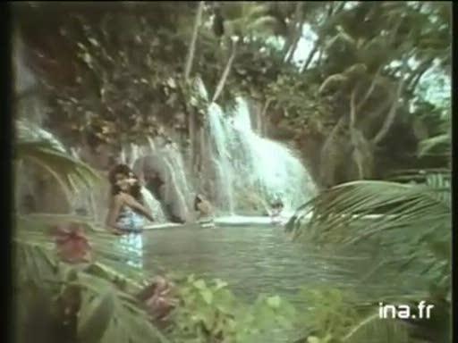 Pub Tahiti Bain (1982)